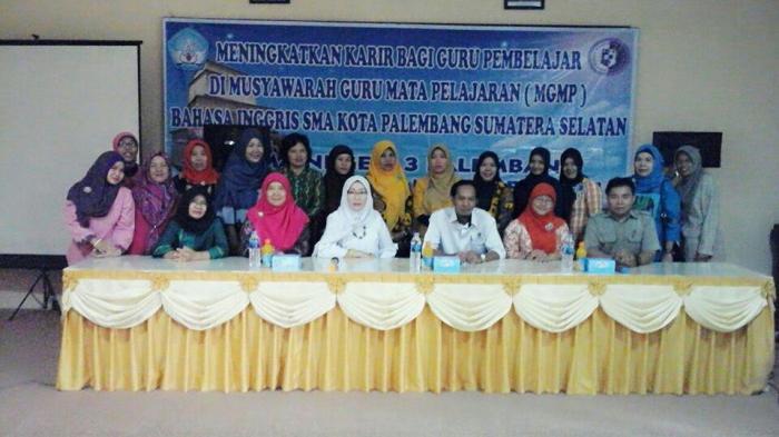 Puluhan Guru Ikuti Musyawarah MGMP Bahasa Inggris di SMA 3 Palembang
