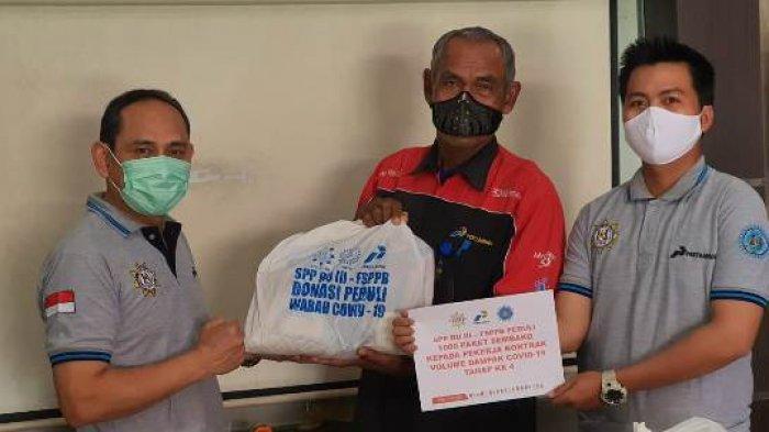 Kumpulkan Donasi Ratusan Juta Rupiah, Serikat Kerja Pertamina Bantu Penjual Roti hingga Tim Medis