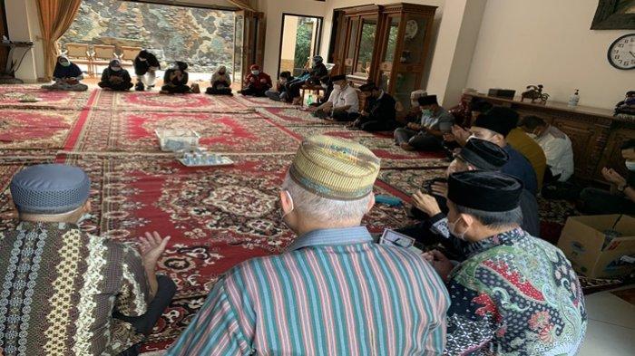 Suasana Rumah Duka Gubernur Sumsel ke-14 Mahyuddin, Tetap Ramai Pelayat