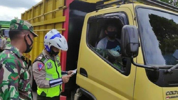 Kedapatan Tak Pakai Masker, Sopir Angkutan Barang Kena Tegur Ditlantas Polda Sumsel