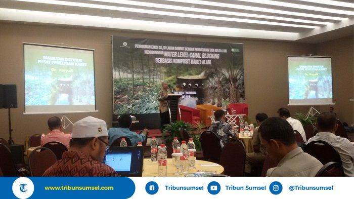 Teknologi Canal Blocking Berbahan Karet Alam Bisa Atur Level Air di Lahan Gambut