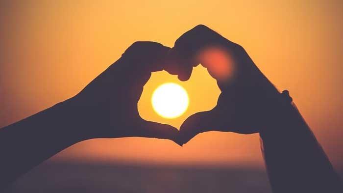 Tes Bahasa Cinta 21 Pertanyaan, Cari Tahu Love Language yang Membuat Kamu & Pasangan Merasa Dicintai