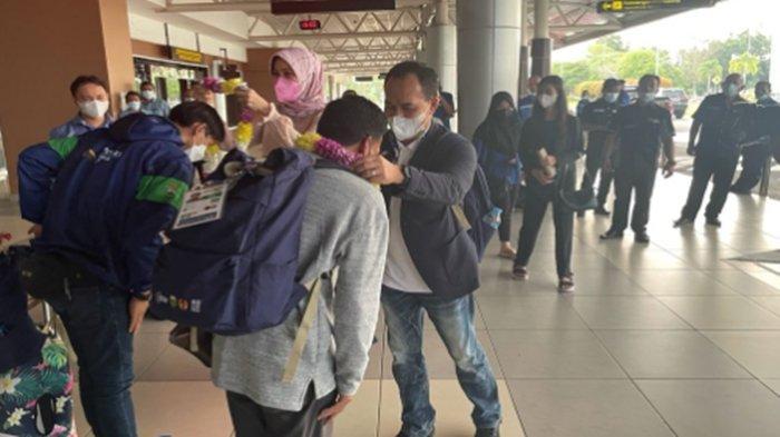 Tiba di Palembang, Fajar Ali Peraih Emas Pertama Sumsel di PON Papua Disambut Kadispora Sumsel