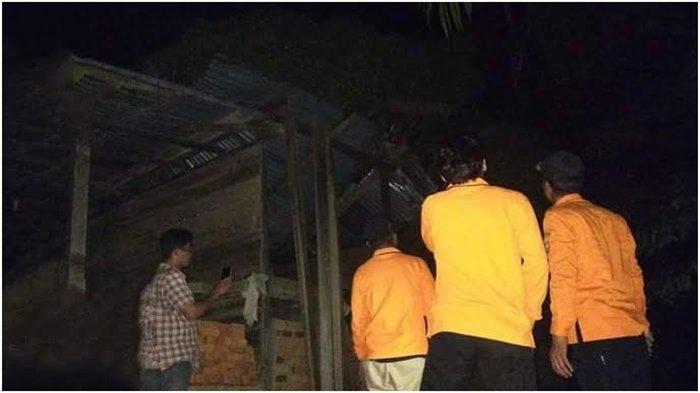 Angin Kencang di Muratara, Atap Rumah Warga di Desa Air Bening Kecamatan Rawas Ilir Beterbangan