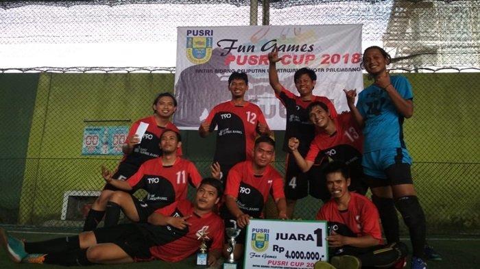 Melalui Drama Adu Penalti, Tim Ekonomi Keluar Sebagai Juara Pada Turnamen Futsal Pusri Cup