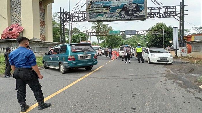 Selama Larangan Mudik, 25 Kendaraan Diputarbalikkan di Pos Sekat Sumsel- Bengkulu