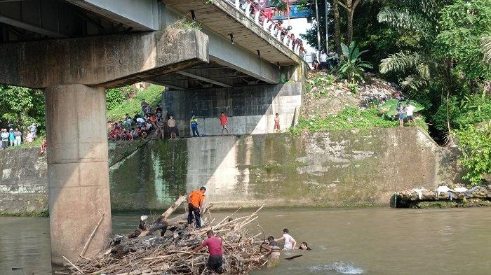 Firasat Ibu Kandung Fakri, Pelajar SMP Hanyut di Sungai Kelingi, Minta Ultah Dirayakan Mei Mendatang