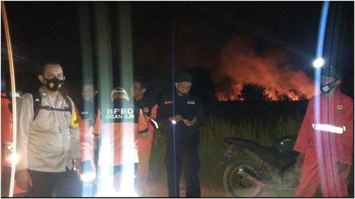 Perjuangan Kapolsek Pemulutan dan Kepala BPBD Ogan Ilir, 6 Jam Padamkan Kebakaran Lahan 1 Hektare