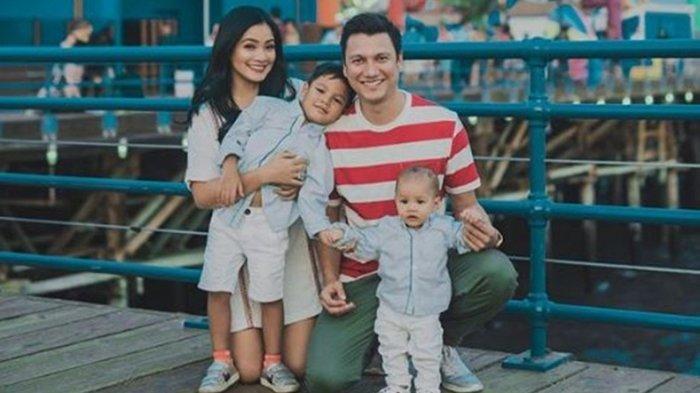 Rindu Setengah Mati, Titi Kamal Ungkap Kesedihan Berpisah dengan Keluarga di Tengah Pandemi Corona
