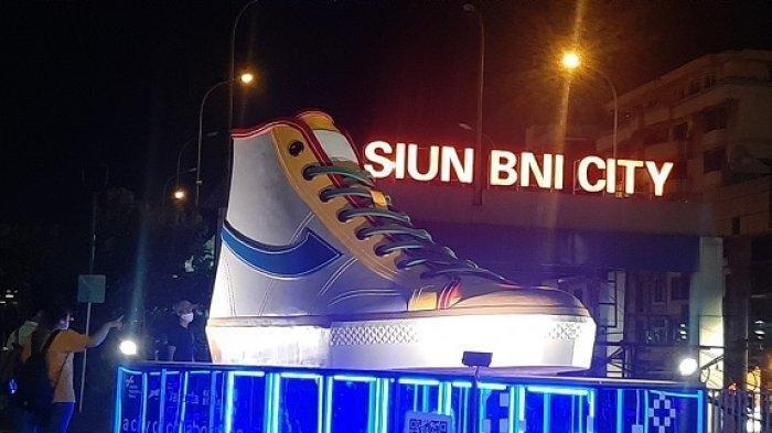 Tugu Sepatu di DKI Jakarta Dibongkar, Kemunculannya Sempat Disorot : Semuanya Sudah Ditake-out