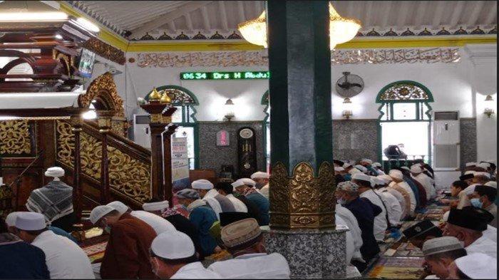 Salat Idul Adha Berjemaah di Masjid Agung Palembang, Jemaah Khusus Warga Sekitar, Terapkan Prokes 5M