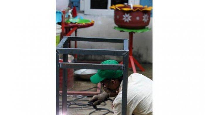 BERITA FOTO : Inovasi UMKM Untuk Negeri, Ciptakan Wastafel dari Ban Bekas dan Wajan Penggorengan - umkm-6.jpg