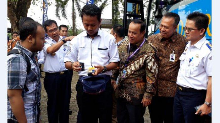 Tarif Bus Damri Palembang-Indralaya Lebih Murah Bagi Mahasiswa Pengguna e-Money Bank Mandiri