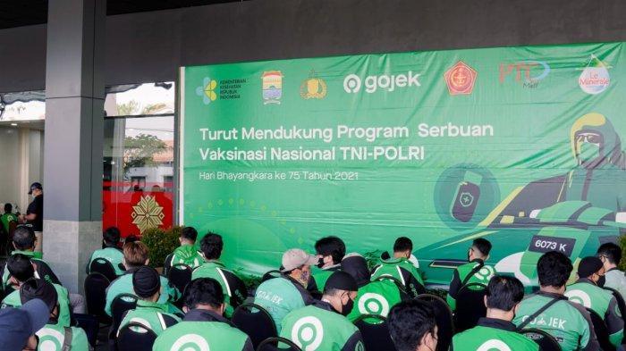 Hari ini ribuan mitra driver Gojek di kota Palembang kembali menjalani program vaksinasi COVID-19.