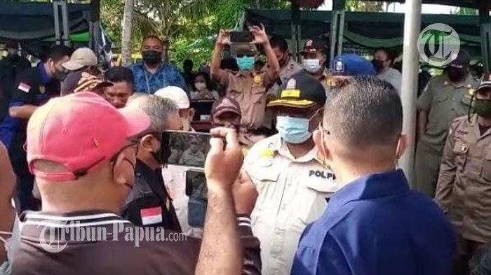 Satpol PP Nyaris Bubarkan Vaksinasi Massal di Sorong yang Digelar Nasdem, Diduga Belum Kantongi Izin