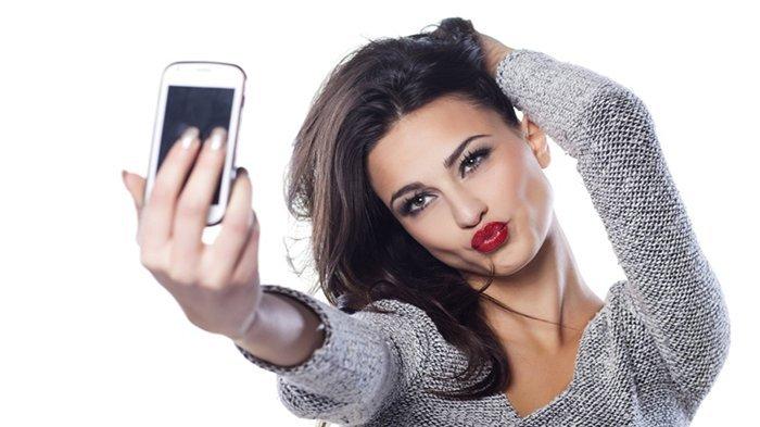 Apakah Anda Kecanduan Selfie? Buktikan dengan Cara Ini