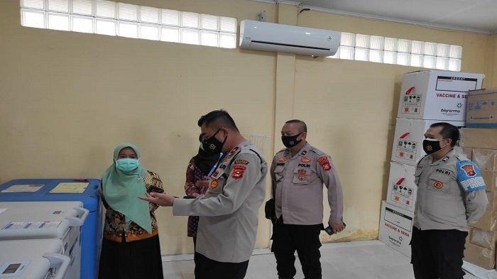 Wakapolres Ogan Ilir Pantau Langsung Pengamanan Gudang Vaksin di Indralaya