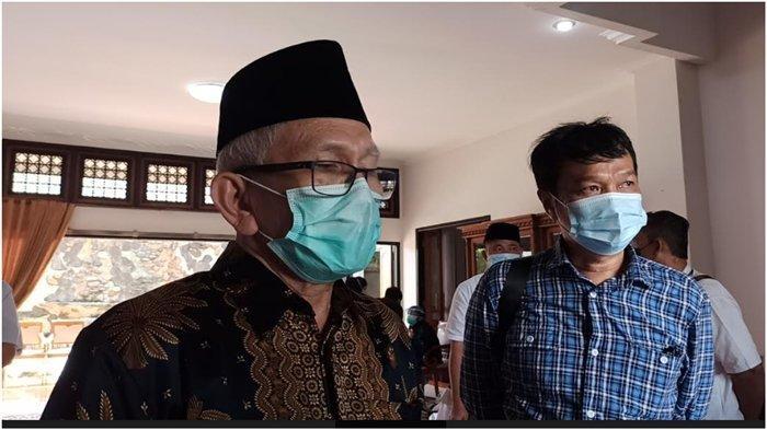 Wakil Direktur Pelayanan Kesehatan Rumah Sakit (RS) Bunda Hibsah Ridwan, Jumat (9/4/2021) saat menyampaikan Prof Mahyuddin meninggal dunia karena covid dan belum diketahui asal mula terpapar.