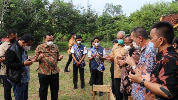 Wakili Alumni, Walikota Lubuklinggau Letakkan Batu Pertama Pembangun Masjid FISIP UNSRI
