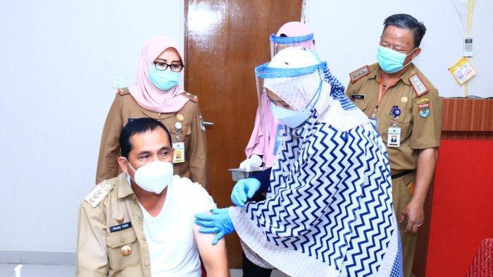 Wali Kota Lubuklinggau Penyintas Covid-19 Pertama Yang Disuntik Vaksin