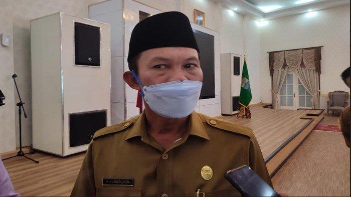 Warga Palembang Sulit Dapat Vaksin Sampai Berdesakan, Walikota Harnojoyo: Sabar