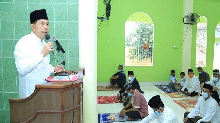Salat Ied Bersama Warga Kelurahan Sukaraja, Ridho Ajak Maknai Hari Raya Untuk Berbagi