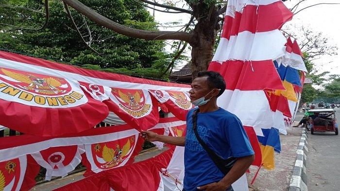 Merantau dari Jabar ke Palembang, Bentar Berharap Rezeki Pada HUT RI Ke 76