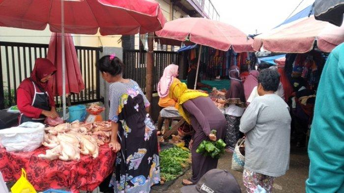 Ramainya Pasar Gandus Palembang Jelang Lebaran, Masih Ada Saja yang Tak Pakai Masker