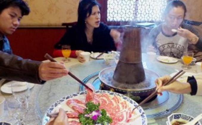 Hindari 7 Kebiasaan Ini Saat Makan di Restoran di Masa Pandemi, Stop Penyebaran Covid-19