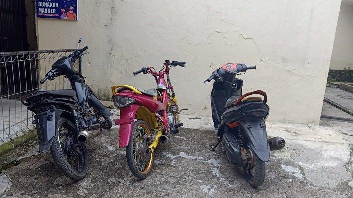Lewat Kades, 3 Warga di Empat Lawang Serahkan Sepeda Motor Bodong ke Polisi