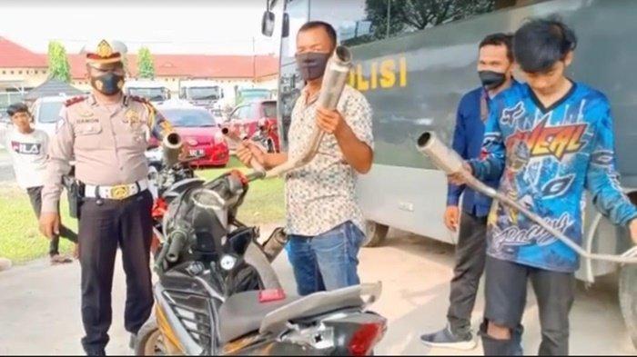Imbau Warga OI Tertib Lalu Lintas, Pemilik Motor Ditilang di Indralaya Banting Knalpot Brong