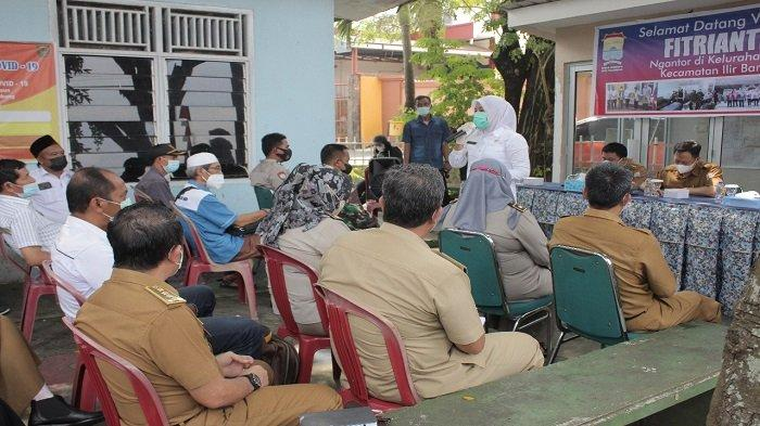 Puluhan Perwakilan RT di Demang Lebar Daun Curhat ke Wawako Palembang Finda
