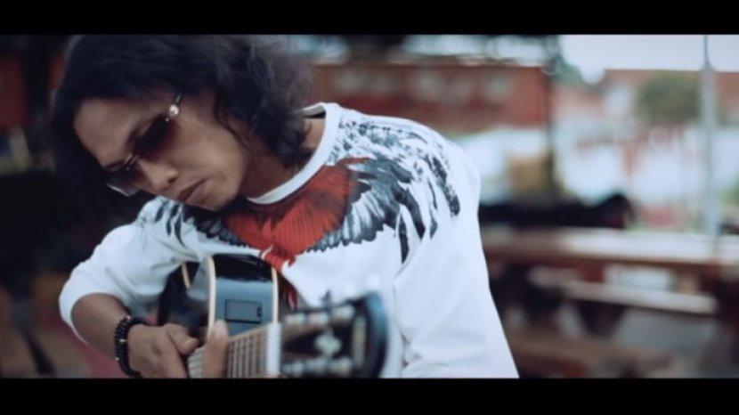 Chord Gitar Dan Lirik Lagu Thomas Arya Dermaga Biru Tribun Sumsel