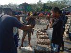aktivitas-di-pasar-getah-desa-karta-dewa-kecamatan-talang-ubi-pali.jpg