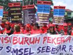 buruh-unjuk-rasa-2015-5.jpg