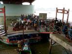 dermaga-16-ilir-bawah-jembatan-ampera-palembang_20151019_121209.jpg