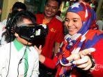 deva-rachman-memperkenalkan-teknologi-virtual-reality.jpg