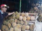 durian-pasar-kuto-pairat.jpg