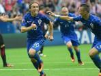 gelandang-kroasia-luka-modric-merayakan-gol-yang-dicetaknya-ke-gawang-turki_20160612_231230.jpg