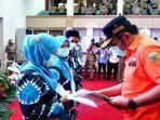 gubernur-herman-deru-bagikan-139-ribu-sertifikat-tanah-untuk-warga123.jpg