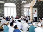 gubernur-herman-deru-melakukan-safari-jumat-di-masjid-al-muhajirin.jpg
