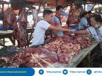 harga-daging-sapi-di-pasar-baru-tanjung-enim-tembus-rp-160-ribu-per-kg_20180613_155744.jpg