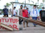 harnojoyo-meninjau-perbaikan-jalan-ponorogo-kelurahan-sukajaya-palembang.jpg
