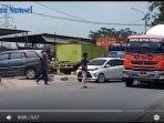jalan-lintas-sumatera-jalinsum-ruas-palembang-indralaya-kerap-mengalami-kemacetan_20171107_153737.jpg