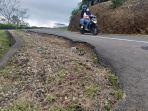 jalan-rusak-gunung-dempo121314.jpg