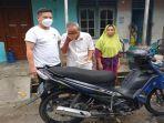 kakek-zakaria-74-dapat-bantuan-sepeda-motor-dari-dermawan-sabtu-1042021.jpg