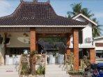kampoeng-bamboe-family-cafe-dan-resto.jpg