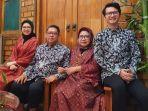 kepala-dinas-kesehatan-provinsi-sumsel-lesty-nurainy-bersama-suami-dan-anaknya.jpg