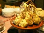 ketupat-makanan-khas-saat-idul-fitri_20150710_140851.jpg