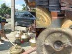 ki-dalang-gondho-wartoyo-menghancurkan-alat-pentas-untuk-pewayangan-di-depan-rumahnya.jpg
